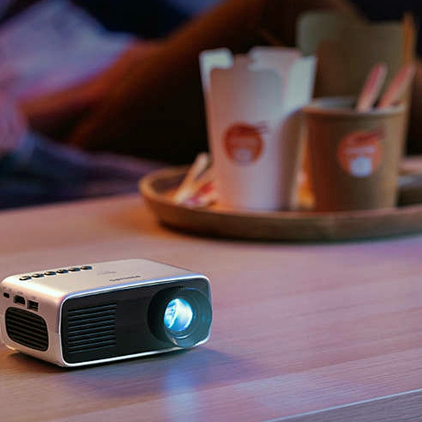 POCKET PROJECTOR PHILIPS 1080P!